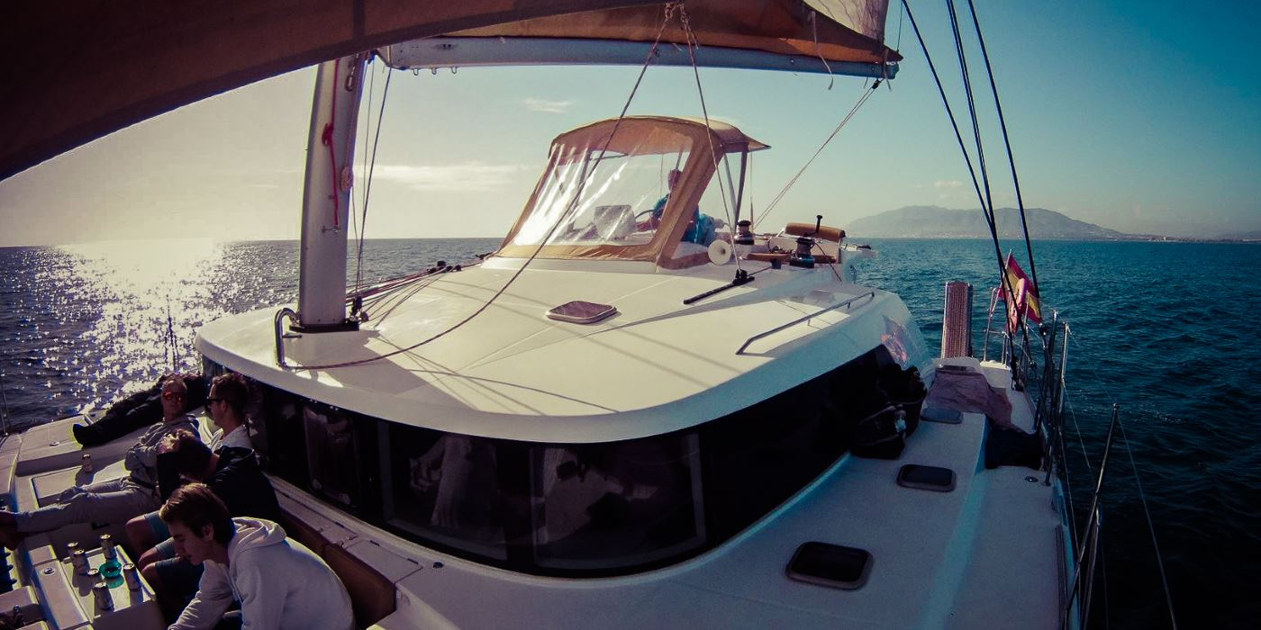 alquiler barcos malaga catamaran velero